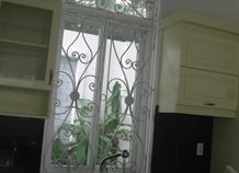 khung cửa sổ sắt sang trọng bh-10186