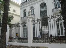Hàng rào sắt đặc cổ điển châu âu đẹp trong từng chi tiết