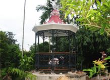 Nhà chòi trang trí sân vườn thiết kế độc đáo tạo không gian nghỉ ngơi thư giản
